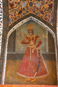 نقاشی پسران فتحعلی شاه قاجار در کوشک قجری باغ فین کاشان