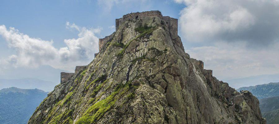 قلعه بابک کلیبر | نمادی از مقاومت در دل جنگل های ارسباران