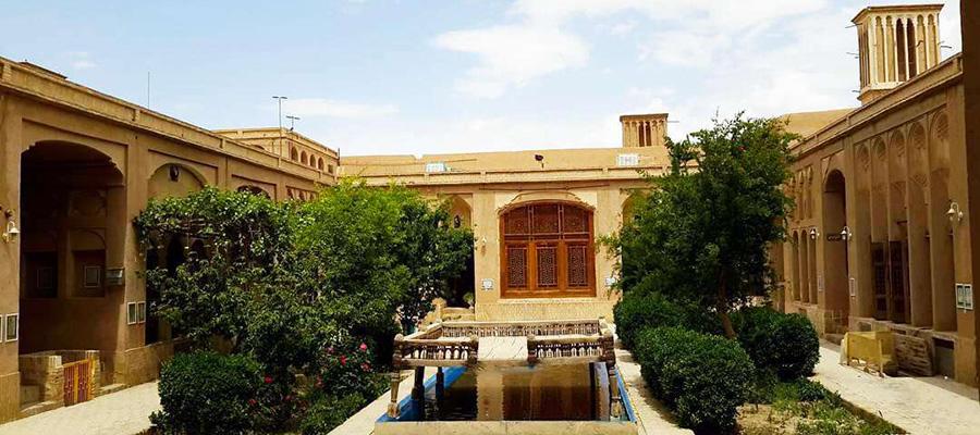 خانه تاریخی لاری های یزد