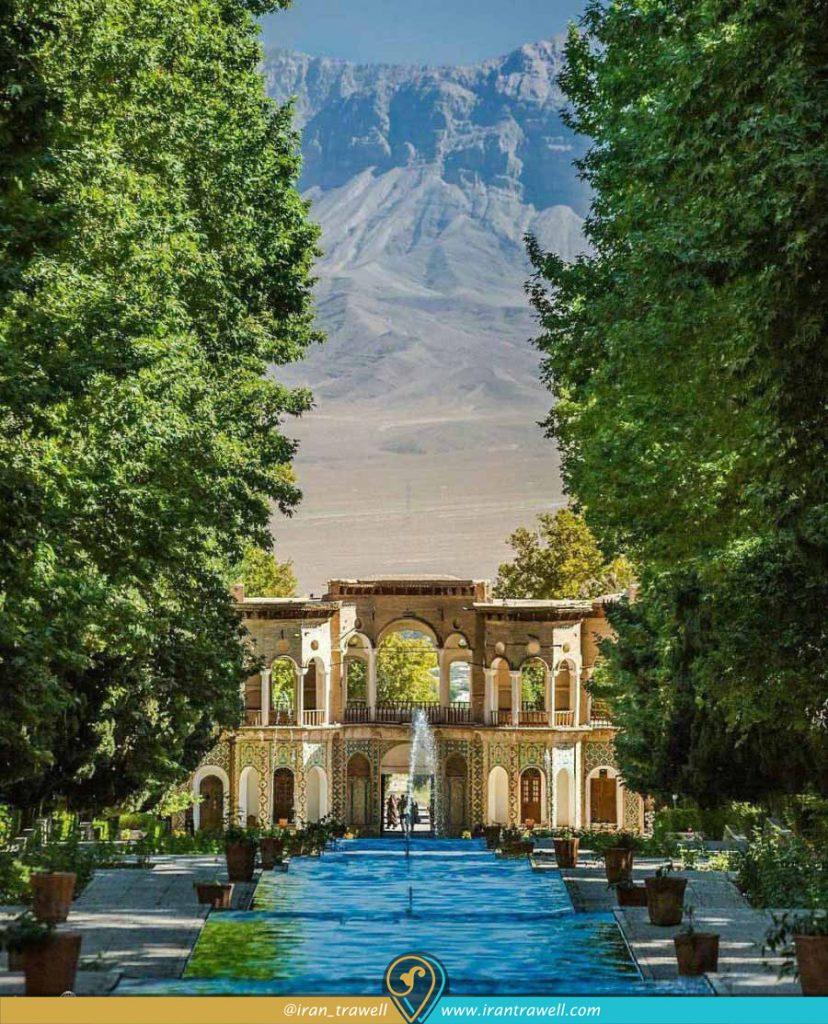 نمای کوهستانهای کرمان از دشت باغ شازده ماهان