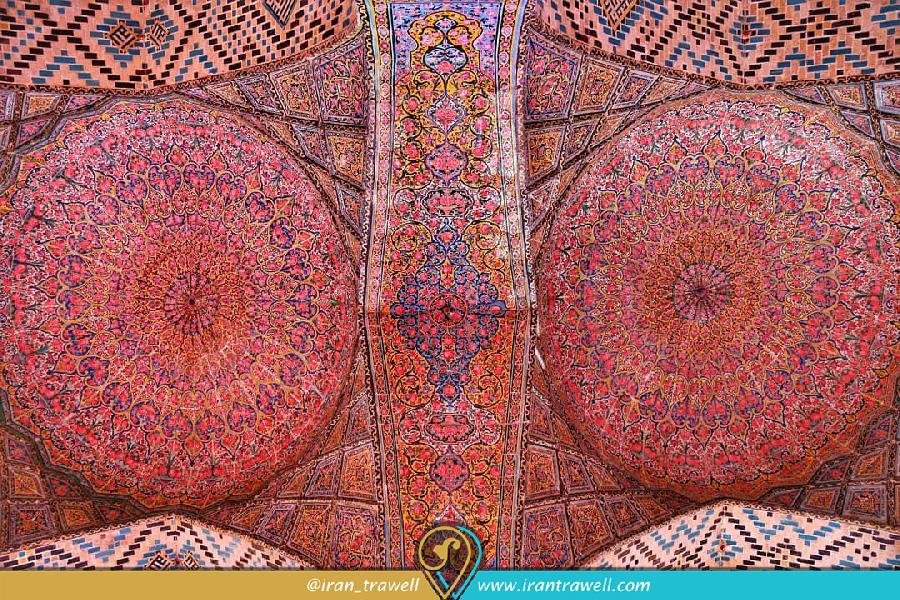 کاشی کاری سقف مسجد صورتی