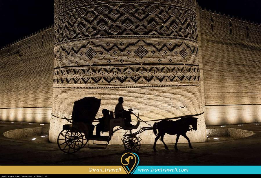 ارگ کریم خان در شب