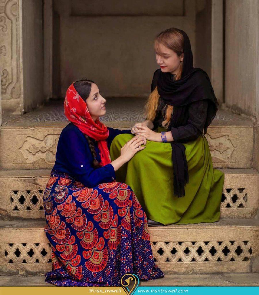 پوشش ایرانی دختران در خانه زینت الملوک