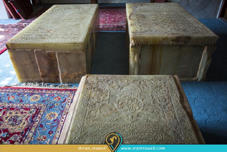 سه مقبره از خاندان ظل السلطان