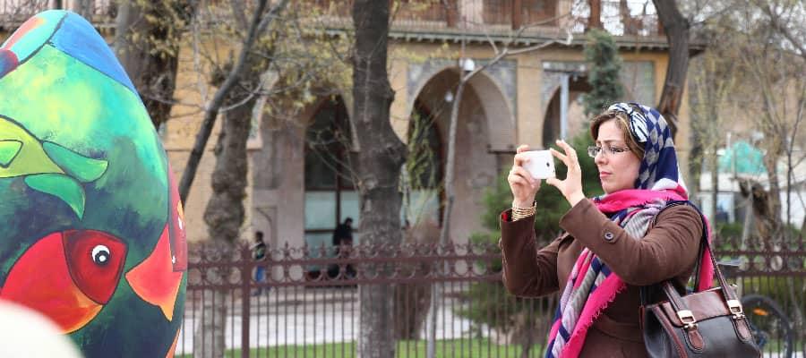 روبه روی کاخ موزه چهلستون قزوین