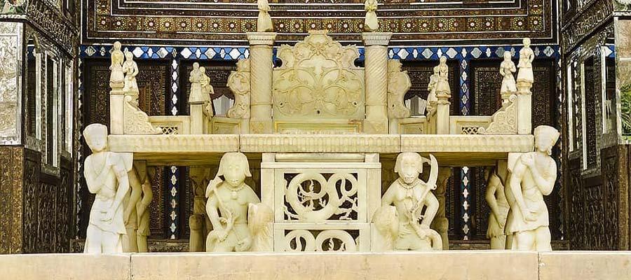 تخت مرمر در کاخ گلستان